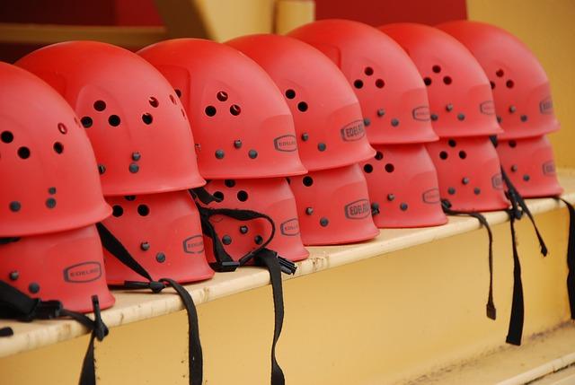 lezecké přilby